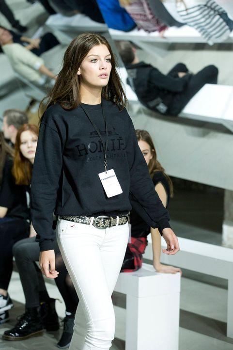 GNTM-Stf10-Epi14-Fashion-Week-Paris-016-Vanessa-ProSieben-Richard-Huebner - Bildquelle: ProSieben/Richard Huebner