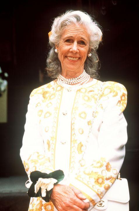 Bunny MacDougal (Frances Sternhagen) ist stolz auf ihren frisch gebackenen Sohn Trey. - Bildquelle: Paramount Pictures