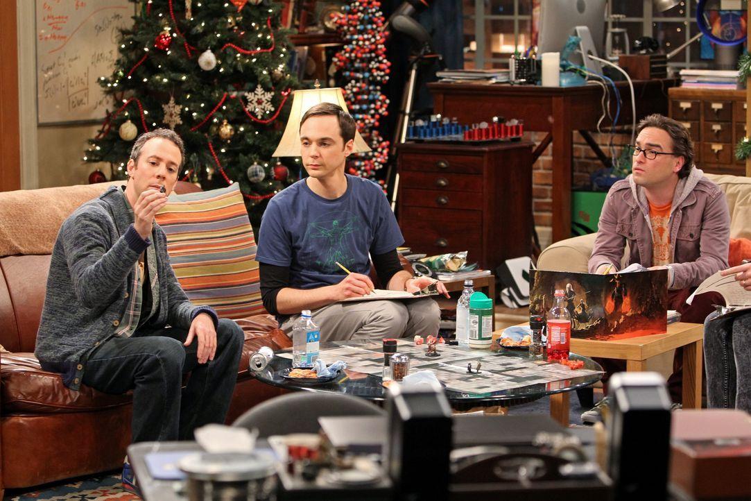 Während Raj mit den Mädels unterwegs ist, veranstalten Sheldon (Jim Parsons, M.), Leonard (Johnny Galecki, r.) und Stuart (Kevin Sussman, l.) einen... - Bildquelle: Warner Bros. Television