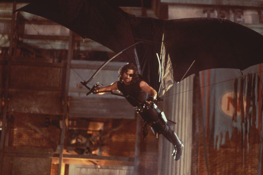 Eine schwierige Mission erwartet Snake Plissken (Kurt Russel) in L. A ... - Bildquelle: Paramount Pictures