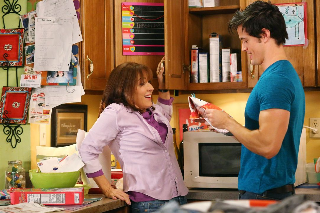 Frankie (Patricia Heaton, l.); Finn (Matthew Atkinson, r.) - Bildquelle: Warner Brothers