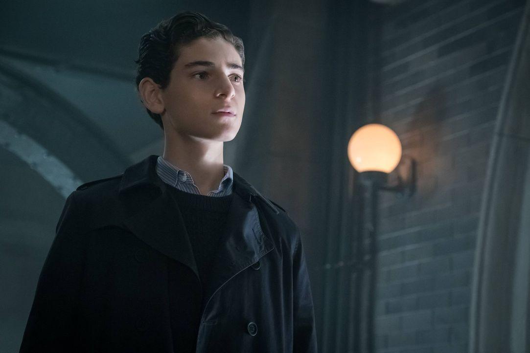 Begibt sich auf die Suche nach Ivy und muss sich mit seinen Gefühlen auseinandersetzen: Bruce (David Mazouz) ... - Bildquelle: Warner Brothers
