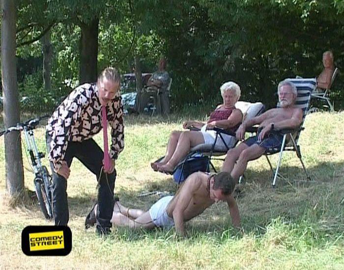 comedystreet-st-04-epi-03-grab-simon-gosejohann-10-prosiebenjpg 700 x 550 - Bildquelle: Guido Ohlenbostel ProSieben