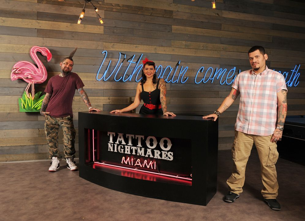 Clint Cummings (l.), Reese Hilburn (M.) und High Noon (r.) sind wahre Tattoo-Künstler, die selbst vor den größten Herausforderungen nicht zurückschr... - Bildquelle: Jeff Daly spike