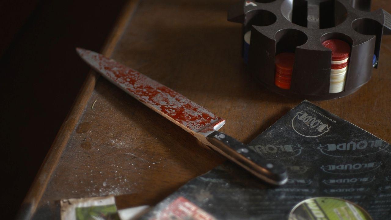 Viktor Wood wird in seiner Wohnung erstochen aufgefunden. Die Polizei ist ratlos - bis der Täter einen Fehler macht. - Bildquelle: Jupiter Entertainment