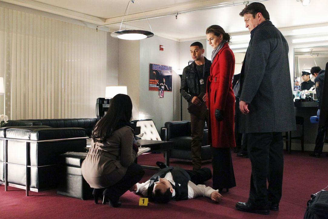 Der berühmte Hundetrainer Francisco Pilar (Ed Francis Martin, 2.v.l.) wird nach einer Hundeshow, an der er als Juror teilgenommen hat, tot in seiner... - Bildquelle: ABC Studios
