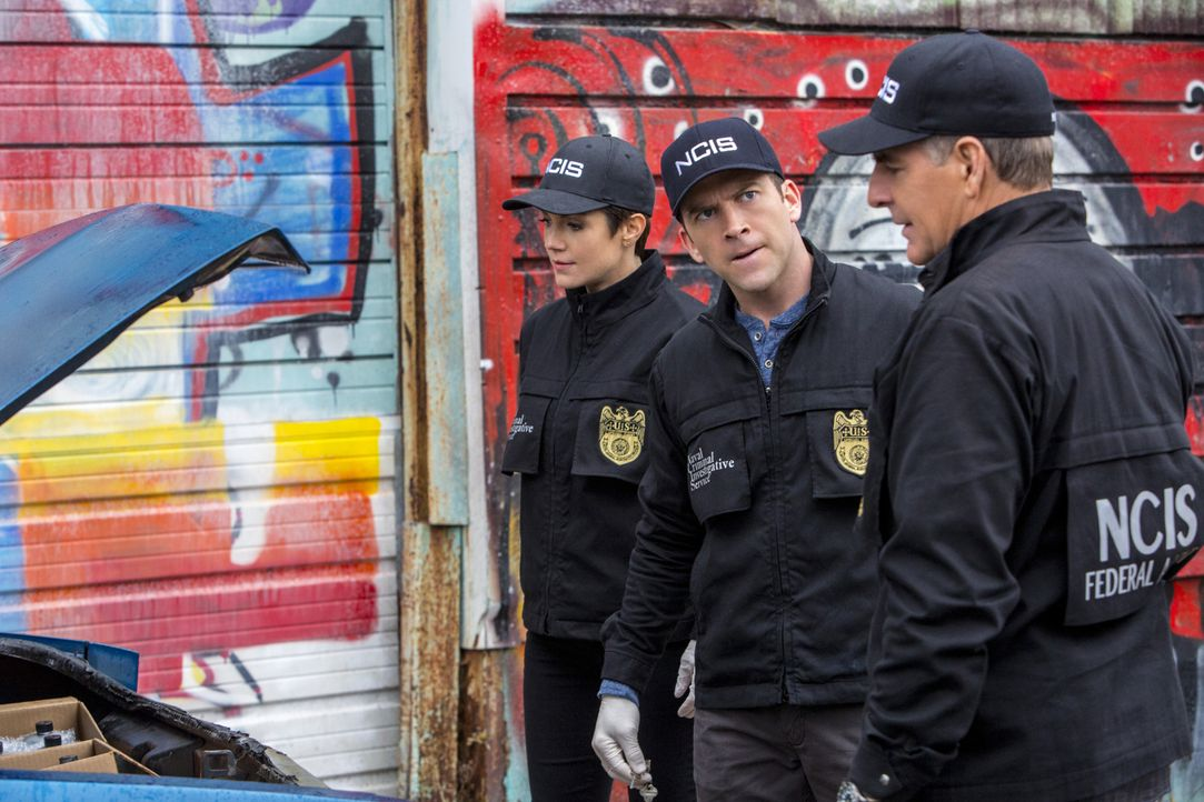 Ein neuer Mordfall wartet auf Pride (Scott Bakula, r.), Brody (Zoe McLellan, l.) und Lasalle (Lucas Black, M.) ... - Bildquelle: 2015 CBS Broadcasting, Inc. All Rights Reserved