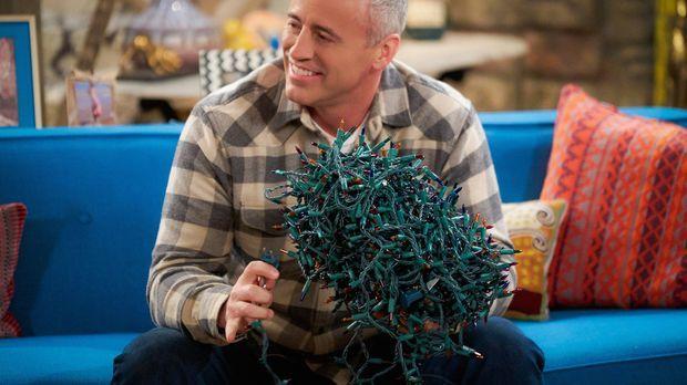 Weihnachten steht auf der Kippe. Doch kann Adam (Matt LeBlanc) das Fest der L...