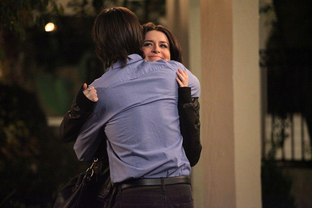 Erleben einen ganz besonderen Abend miteinander: Amelia (Caterina Scorsone, r.) und James (Matt Long, l.) ... - Bildquelle: ABC Studios