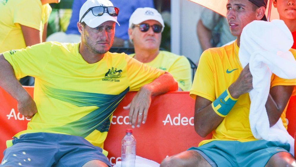 Australiens Kapitän Lleyton Hewitt mit Alexei Popyrin - Bildquelle: AFPSIDBRENTON EDWARDS