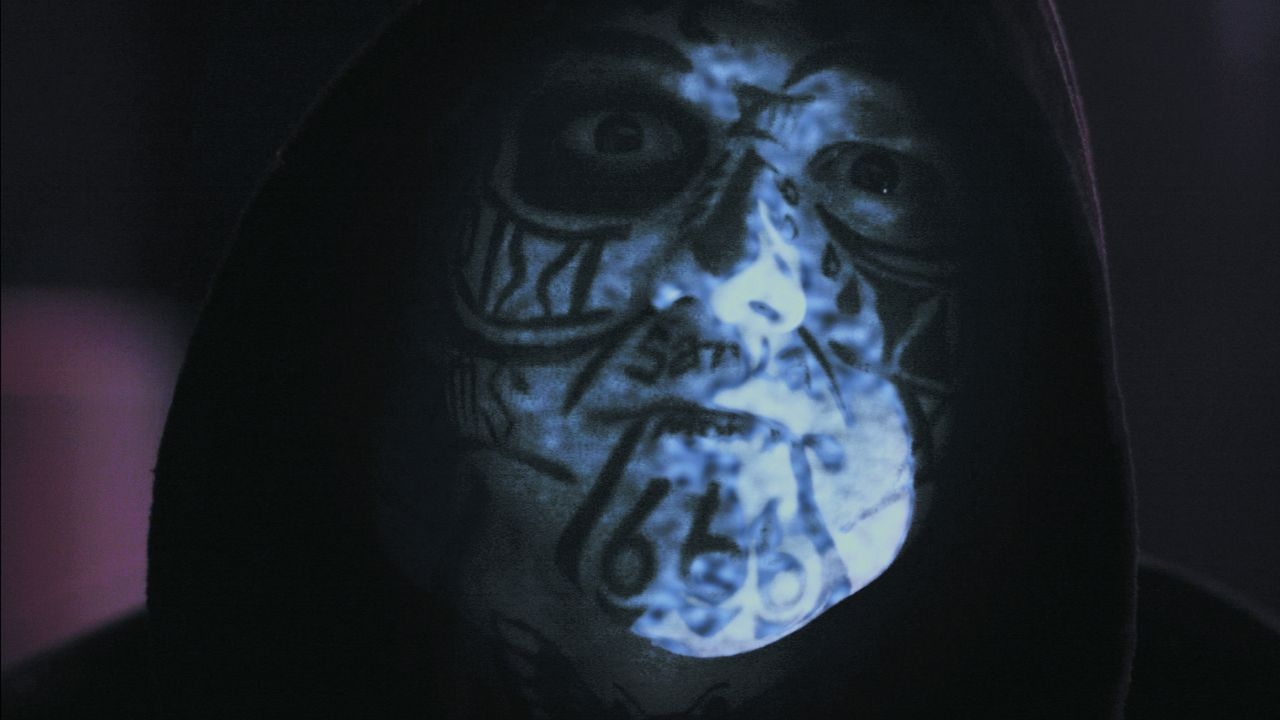 """Ein unschuldiger Mann wird von der grausigen Fratze von """"Santa Muerte"""", dem Schutzheiligen der kriminellen Unterwelt, verfolgt ... - Bildquelle: 2013 Syfy Media, LLC"""