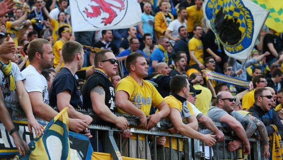 Abstiegsbedroht: Drittligist Eintracht Braunschweig - Bildquelle: pixathlonpixathlonSIDHenning Angerer