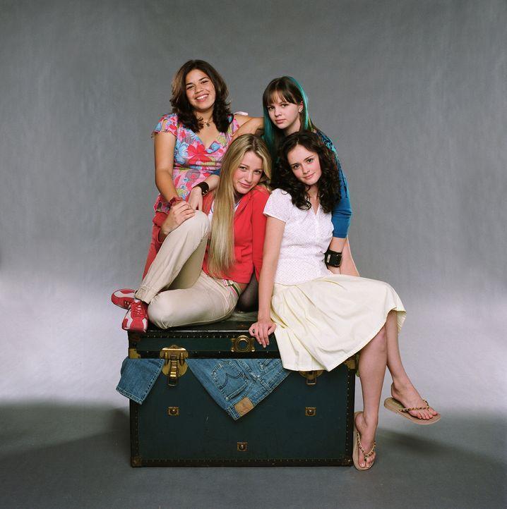 Wahre Freundschaft verbindet die schüchterne Lena (Alexis Bledel, vorne r.), die zynische Tibby (Amber Tamblyn, hinten r.), die leidenschaftliche C... - Bildquelle: Warner Bros.