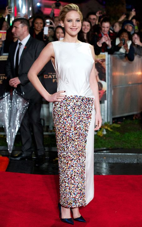 Jennifer-Lawrence-Tribute2-Premiere-London-131111-2-AFP - Bildquelle: AFP