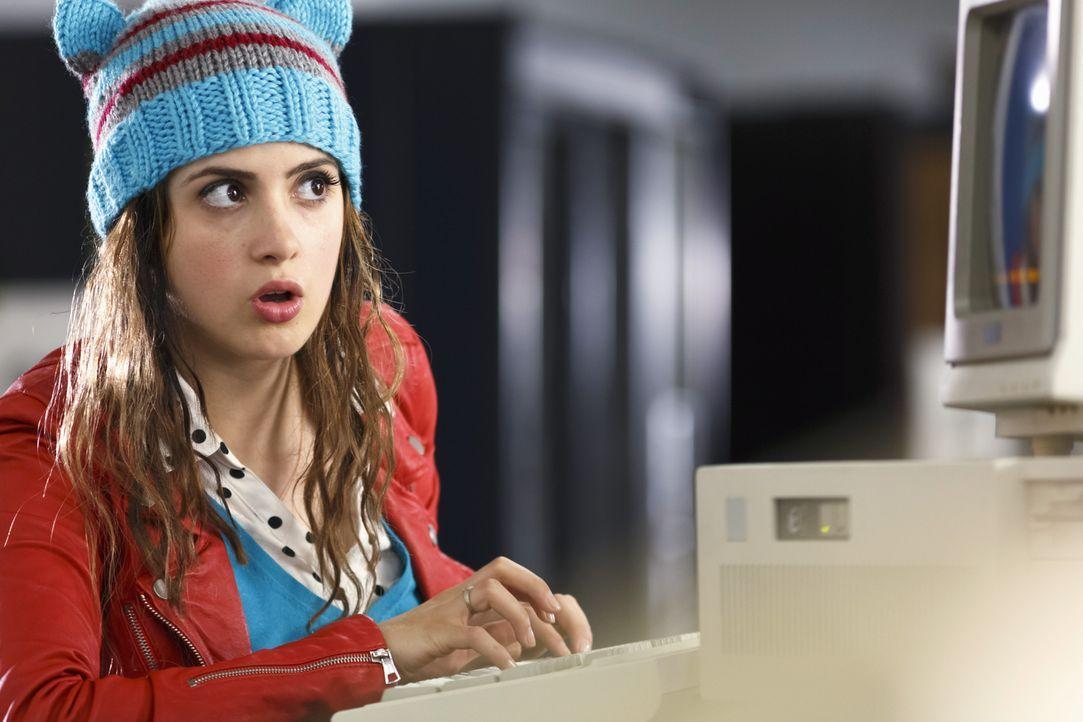 Monica (Laura Marano) will unbedingt Ballkönigin werden, doch am Tag des Balls läuft plötzlich alles aus dem Ruder und es sieht nicht so aus, als kö... - Bildquelle: Touchstone Television