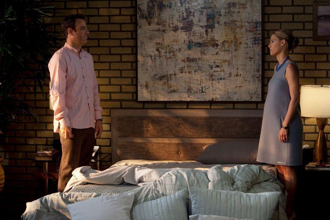 Während Addison ihre Mentorin trifft, die ein sehr schmerzhaftes Geheimnis mit ihr teilt, machen sich Cooper (Paul Adelstein, l.) und Charlotte (Ka... - Bildquelle: ABC Studios