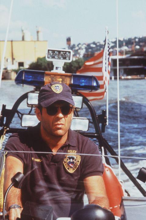 Weil Tom (Bruce Willis) vermutet, dass der Serienmörder aus den Reihen der Polizei stammt, wird er zur Wasserschutzpolizei versetzt. Dennoch will T... - Bildquelle: Columbia Pictures