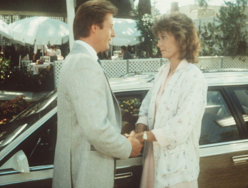 Lee (Bruce Boxleitner, l.) braucht den Rat von Amanda (Kate Jackson, r.): Weil er unter Halluzinationen zu leiden scheint, steht er in dem Verdacht,...