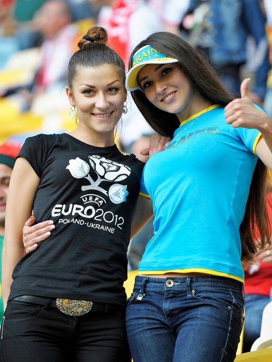 full_euro_fans_05_wenn3938888 - Bildquelle: Newspix.pl /WENN.com