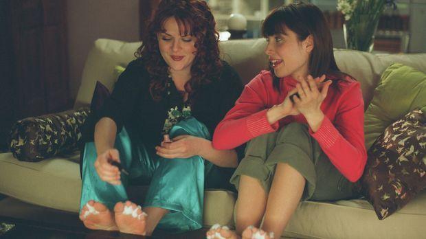 Rache ist süß: Mel (Carly Pope, r.) und Gabby (Sara Rue, l.) ... © ABC Family