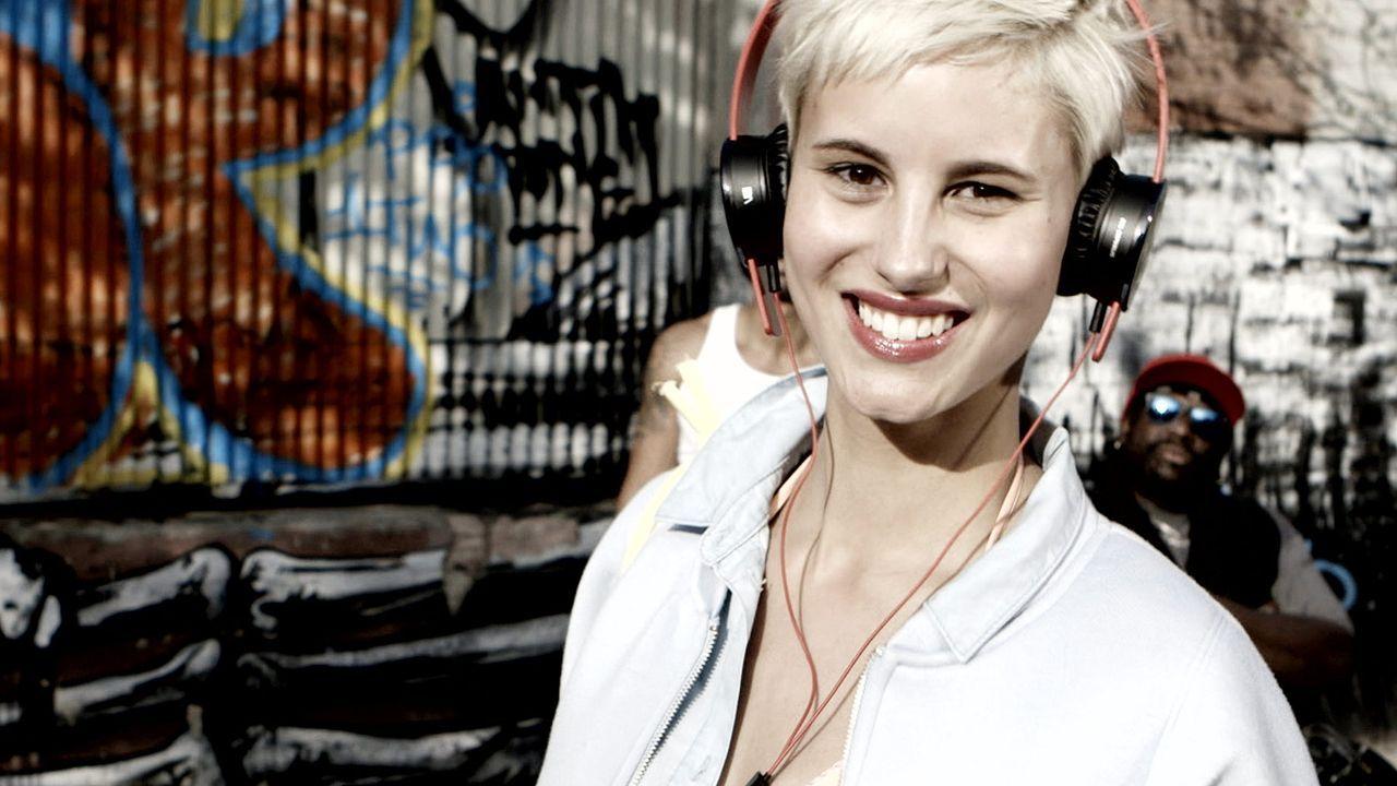 GNTM-Stf10-Epi10-Videoshoot-Originale-08-Lisa-ProSieben-TEASER - Bildquelle: ProSieben