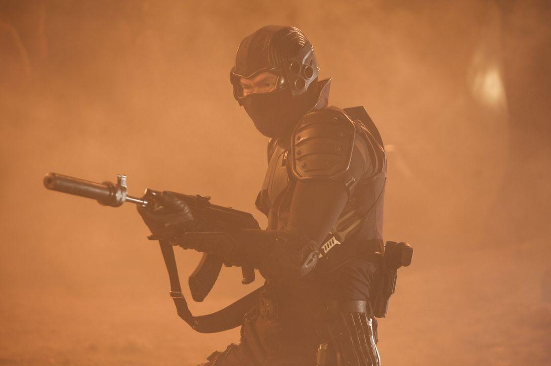 """Im fernen New York will Masazuka (Tsuyoshi Ihara) an das älteste Geheimnis der Ninjas heran: die Waffentruhe """"Yoroi Bitsu"""" mit den Waffen der letzte... - Bildquelle: Nu Image"""