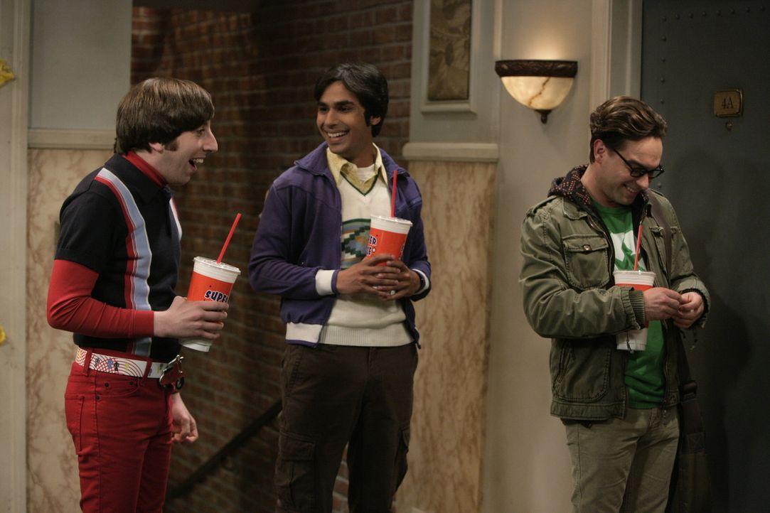 Nachdem sie erfahren haben, dass Sheldon an einer dreimonatigen Expedition zum Nordpol teilnehmen soll, freuen sich Leonard (Johnny Galecki, r.), Ra... - Bildquelle: Warner Bros. Television
