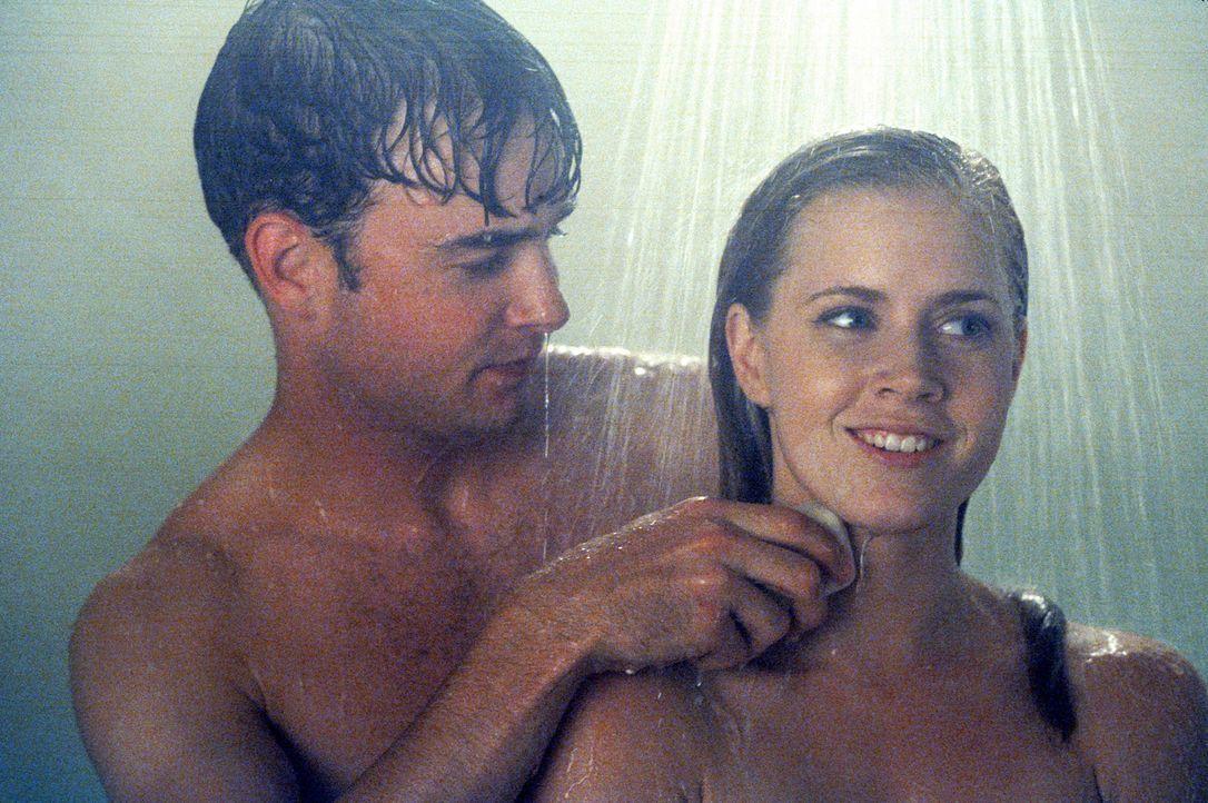 Der Zweck heiligt die Mittel: Sebastian (Robin Dunne, l.) und Kathryn (Amy Adams, r.) ... - Bildquelle: 2005 Sony Pictures Television International. All Rights Reserved.