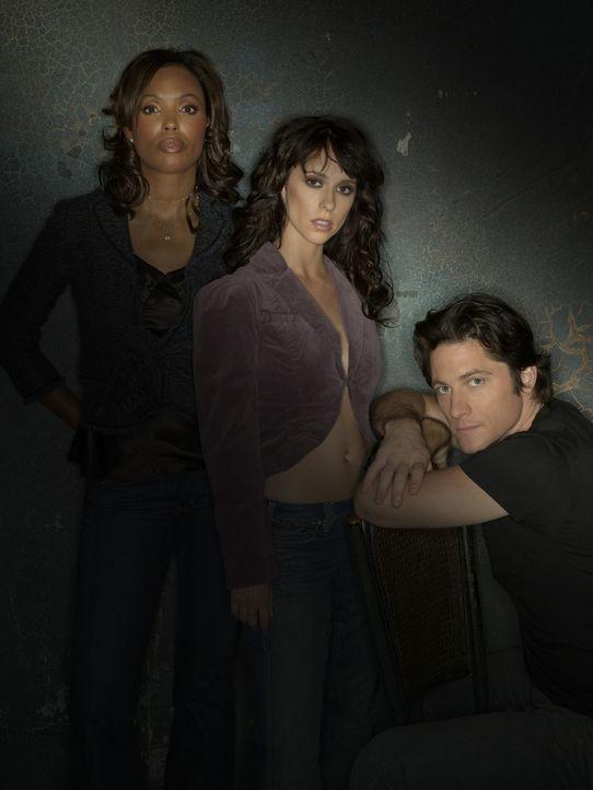 (1. Staffel) - Melinda (Jennifer Love Hewitt, M.) ist immer wieder auf die Hilfe von ihrem Mann Jim (David Conrad, r.) und ihrer Kollegin Andrea Mor... - Bildquelle: ABC Studios