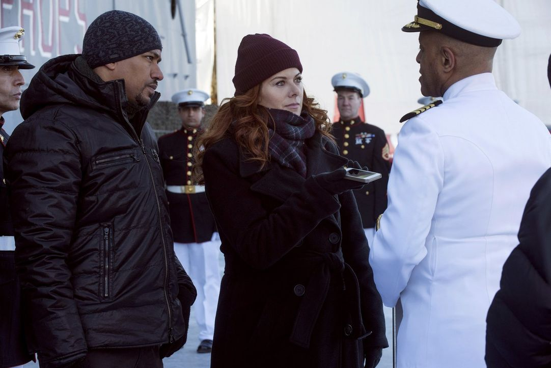 Ermitteln in einem neuen Fall: Laura (Debra Messing, M.) und Billy (Laz Alonso, l.) ... - Bildquelle: Warner Bros. Entertainment, Inc.