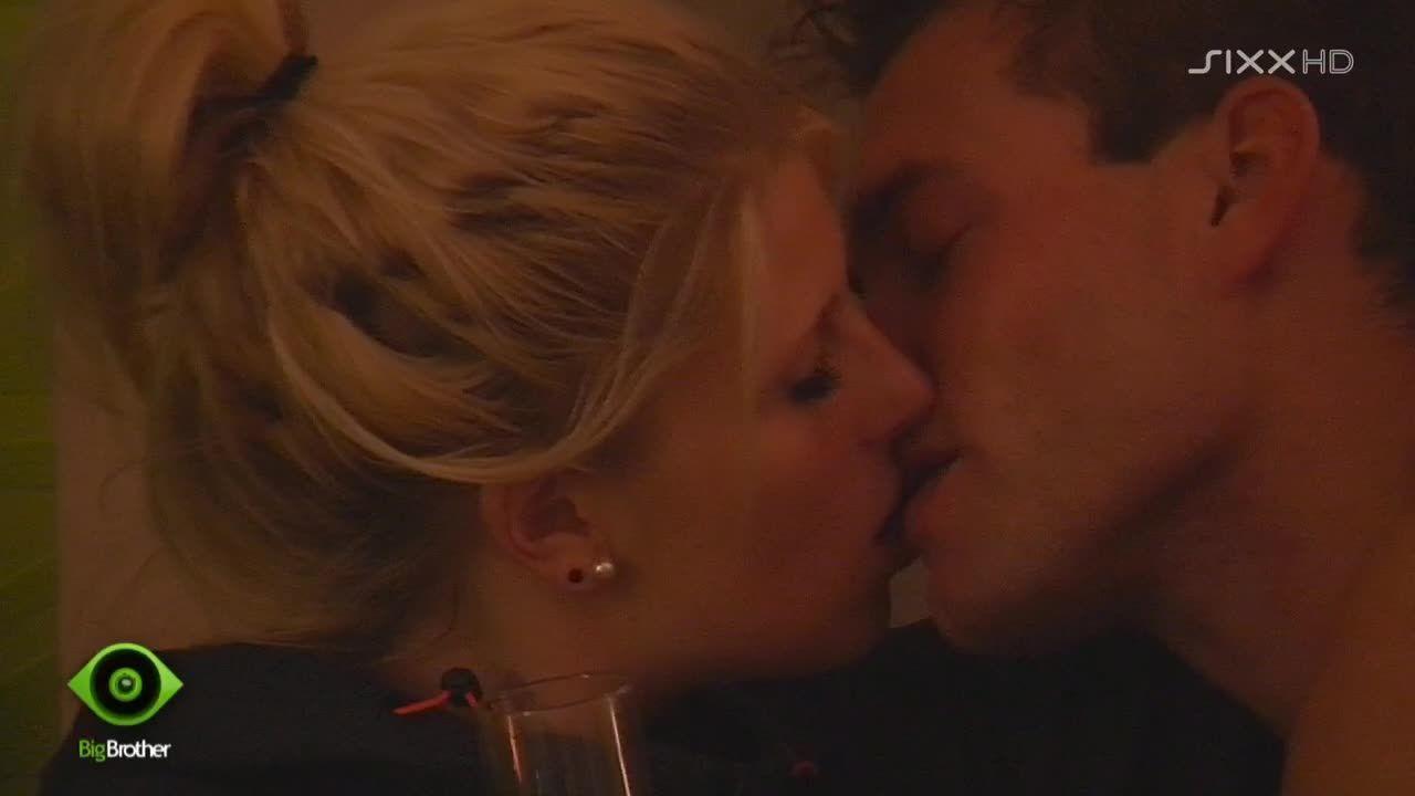 heiße Küsse bei Shavin - Bildquelle: sixx