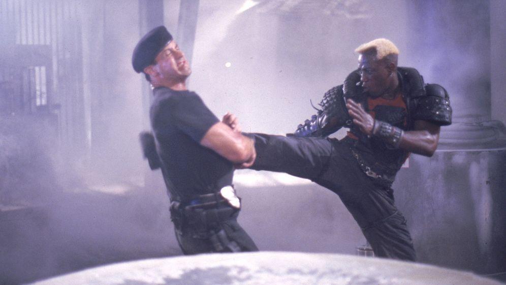 Demolition Man - Bildquelle: Warner Brothers International Television Distribution Inc.