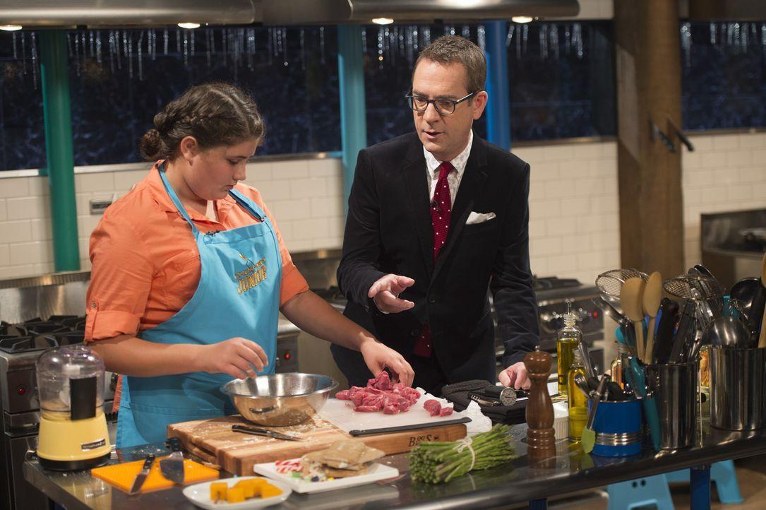 Wettbewerberin Megan (l.) aus New Jersey steht seitdem sie denken kann in der Küche. Nun muss sie innerhalb von 30 Minuten einen Gaumenschmaus aus e... - Bildquelle: Scott Gries 2015, Television Food Network, G.P. All Rights Reserved
