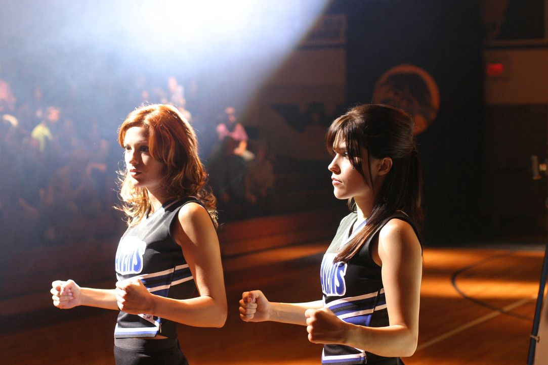 Natürlich ist ein Mann der Grund für den Streit zwischen Rachel (Danneel Harris, l.) und Brooke (Sophia Bush, r.) ... - Bildquelle: Warner Bros. Pictures