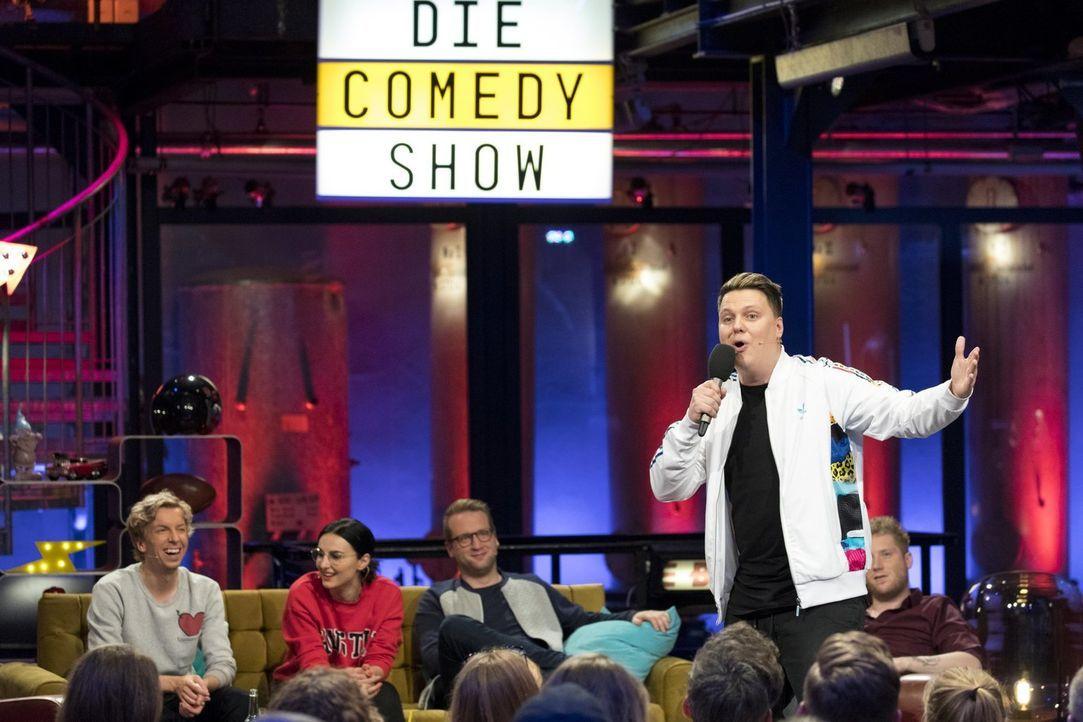"""Präsentiert in """"Die Comedy-Show"""" eine von fünf unglaublichen, witzigen Storys: Kevin Ray ... - Bildquelle: Benedikt Müller ProSieben"""