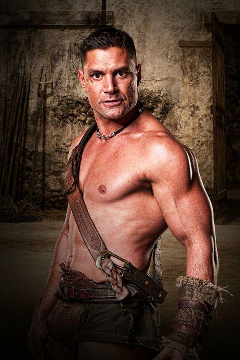 """Crixus (Manu Bennett) ist ein Top-Gladiator, Liebhaber von Lucretia und der """"Champion von Capua"""". Er verachtet Spartacus ... - Bildquelle: 2009 Starz Entertainment, LLC"""