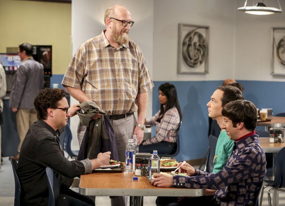 Obwohl es Sheldon (Jim Parsons, 2.v.r.) unerwarteter Weise Spaß macht, mit Bert (Brian Posehn, 2.v.l.) an einem Geologieprojekt zu arbeiten, ist es... - Bildquelle: Warner Bros. Television