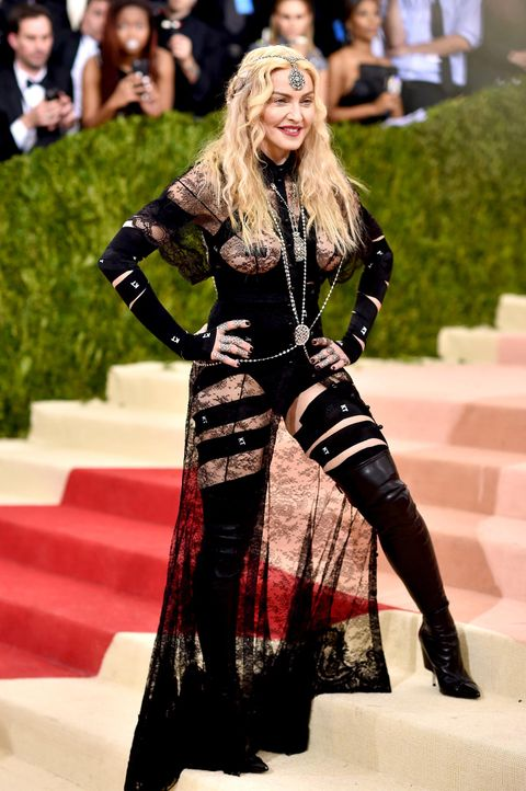 MET-Gala-Madonna-09-getty-AFP - Bildquelle: Dimitrios Kambouris/Getty Images/AFP