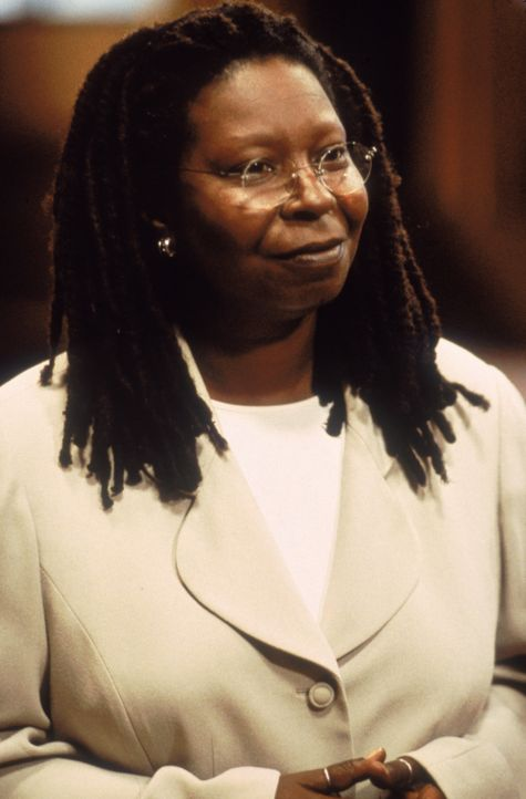 Die Anwältin Terry Harrison (Whoopi Goldberg) vertritt Janine Nielssen vor Gericht. - Bildquelle: CPT Holdings, Inc.  All Rights Reserved.