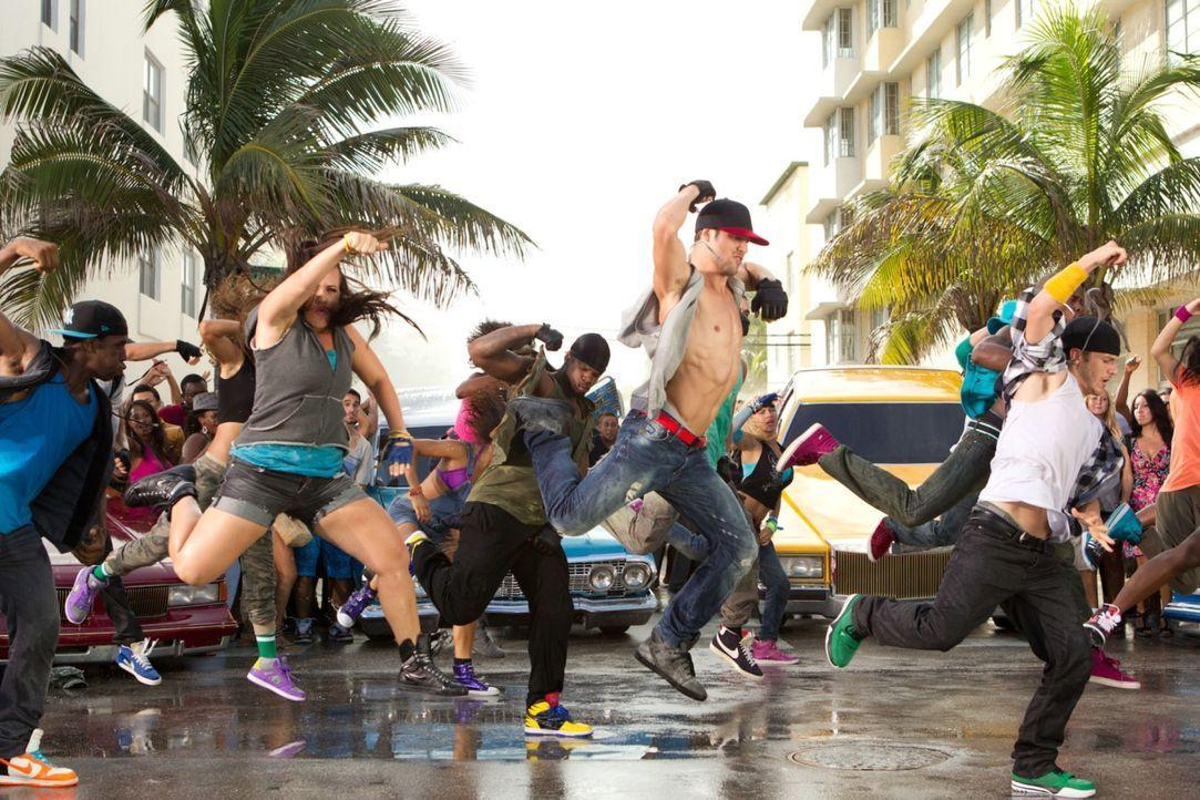 """Wenn auf dem Ocean Drive von Miami Beach nichts mehr geht, dann ist die Tanztruppe """"The Mob"""" dafür verantwortlich: Mit ihrem Anführer Sean (Ryan Guz... - Bildquelle: 2011 Summit Entertainment, LLC. All rights reserved."""