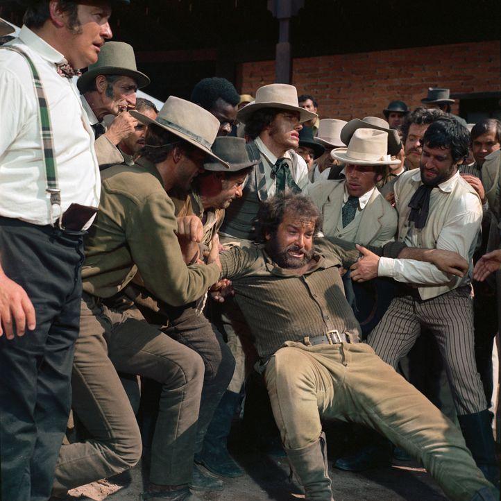 Kann nicht nur austeilen, sondern auch einstecken: Hutch (Bud Spencer) ... - Bildquelle: Paramount Pictures