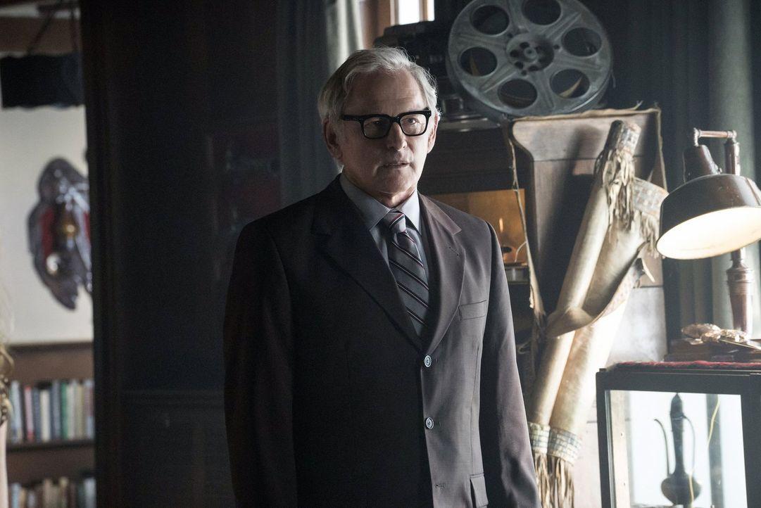 Bekommt eine neue Rolle im Team, die ihn an seine Grenzen bringt: Martin (Victor Garber) ... - Bildquelle: Warner Brothers