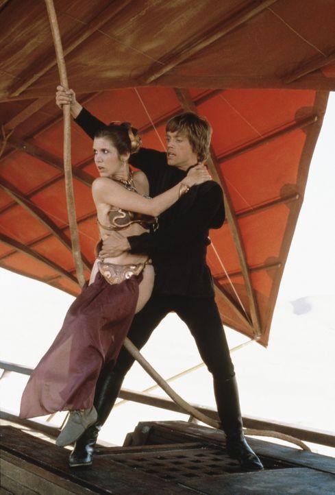 Um den im Bau befindlichen neuen Todesstern zu zerstören, müssen Leia (Carrie Fisher, l.) und Luke (Mark Hamill, r.) den lebensgefährlichen Kampf... - Bildquelle: Lucasfilm LTD. & TM. All Rights Reserved.