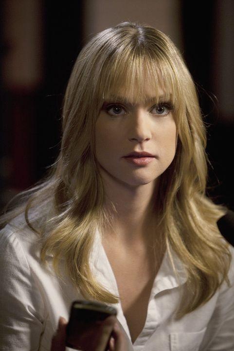 """Muss den schwierigen Job übernehmen mit dem """"Fürsten der Finsternis""""  Kontakt aufzunehmen, um Ellie zu retten und weitere Morde zu verhindern: JJ... - Bildquelle: Touchstone Television"""