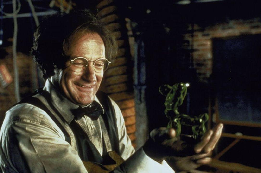 Der zerstreute Professor und leidenschaftliche Erfinder Professor Phillip Brainard (Robin Williams) mischt durch Zufall eine giftgrüne Gummimasse z... - Bildquelle: Buena Vista