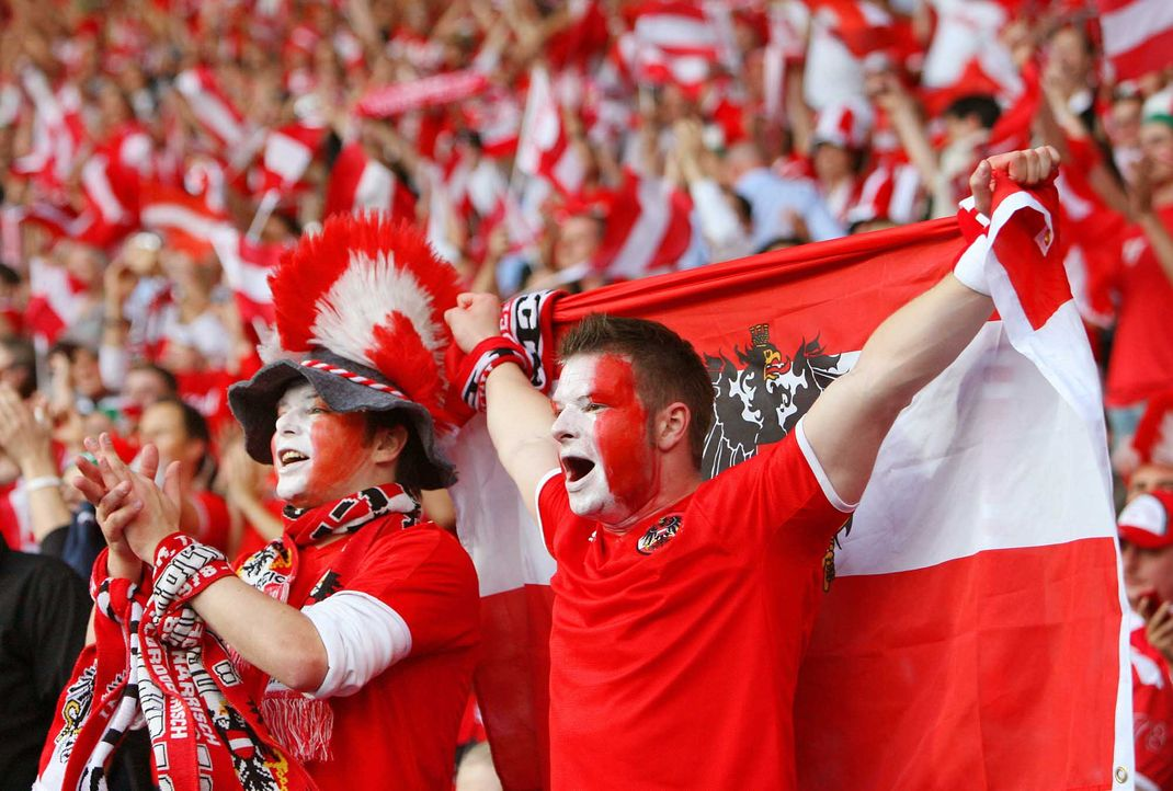 Fußball-Fan-Oesterreich-080616-2-AFP - Bildquelle: AFP