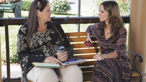 Aidens seltsames Verhalten bereitet Melinda (Jennifer Love Hewitt, r.) große...