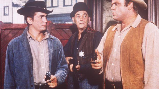 Hoss (Dan Blocker, r.) und Little Joe Cartwright (Michael Landon, l.) werden...
