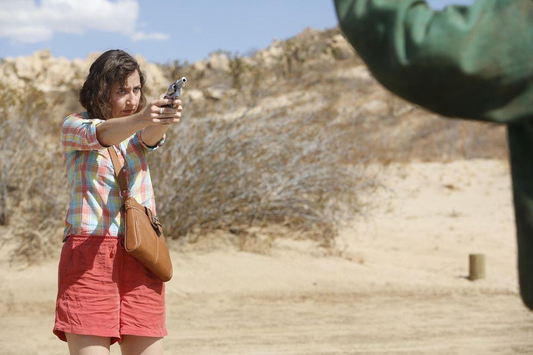 Die exzentrische Carol (Kristen Schaal) taucht bei Phil in Tucson auf, nachdem sie seinen Hinweisen gefolgt ist, aber wird das Zusammenleben von den... - Bildquelle: 2015 Fox and its related entities.  All rights reserved.