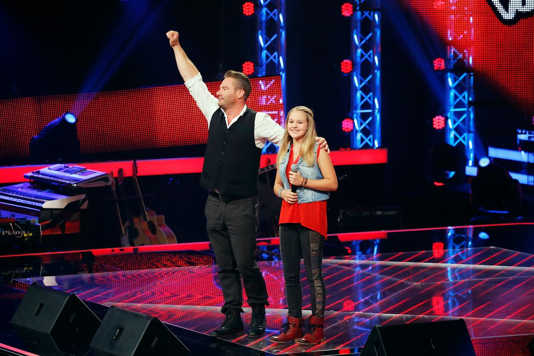 The-Voice-Kids-s04e01-Emily-1-SAT1-Richard-Huebner - Bildquelle: SAT.1/ Richard Huebner